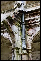 Drainage column