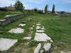 Salona : le cardo du forum.