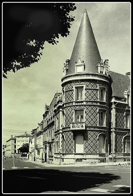 Batiment, Montluçon 03100 Fr.
