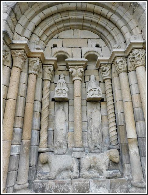 Détail de la Basilique Saint Sauveur à Dinan (22)