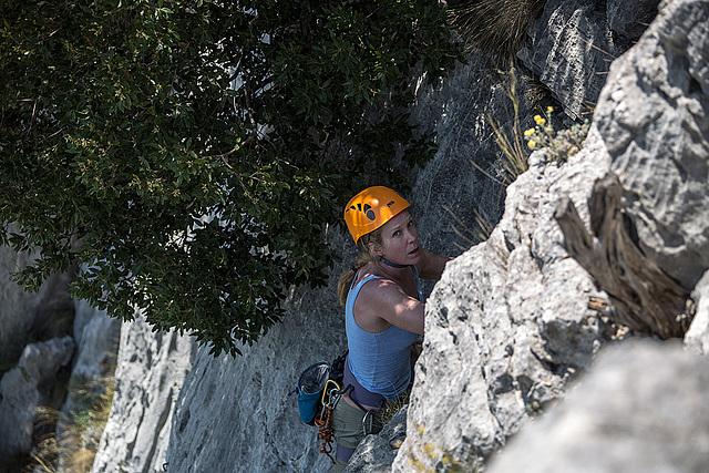20150529 8302VRAw [R~F] Bergsteigerin, Gorges du Verdon, Cote d'Azur