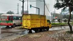 Camion jaune / Xe tải màu vàng