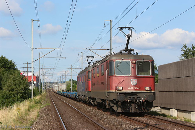 Re 420 325-3 + Re 620 082-8