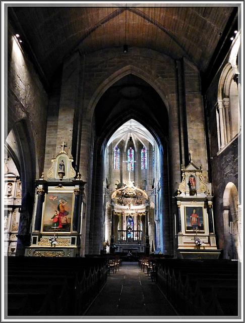Intérieur de la Basilique Saint Sauveur à Dinan (22)