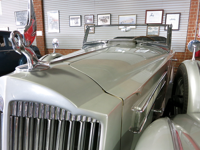Automobile Driving Museum (0093)
