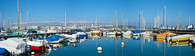 Le calme du port de plaisance se termine bientôt avec l'arrivée de la belle saison
