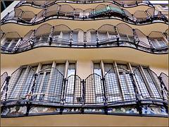 Barcellona : Casa Batlló , vista posteriore sopra il cortile