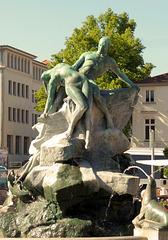 Brunnenskulptur am Grunthalplatz/ Schwerin