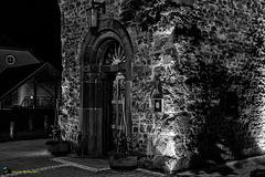 Portail de l'église à Viichten