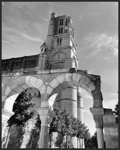 """Albi (81) 21 septembre 2012. La cathédrale Sainte-Cécile, """"cathédrale forteresse"""" (1282 - 1480)."""
