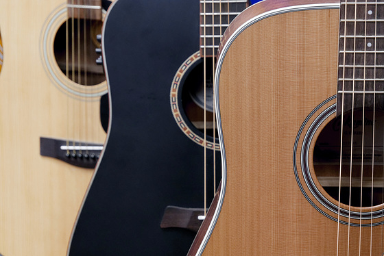 3 guitares