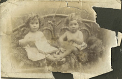 Left E H Gallup and right twin sister Ethel M Gallup