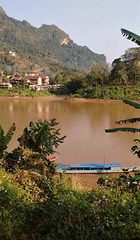 Verticalement enivrant.....  (Laos)