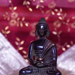 Buddha im Purpurglanz