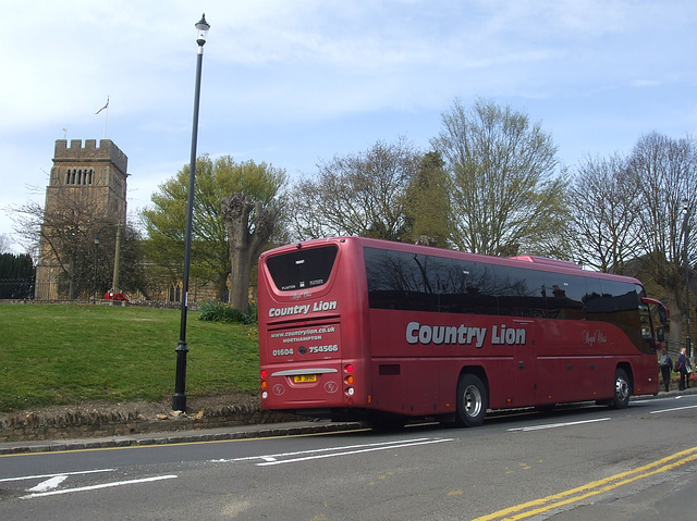 DSCF3209 Country Lion JB 3890 in Earls Barton - 21 Apr 2016