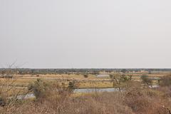 En ĉi-tiu pukto de la rivero Ĉobe, natura landlimo inter Bocvano kaj Namibio, troviĝas la Ngoma ponto, kie troviĝas la landlima kontrolejo