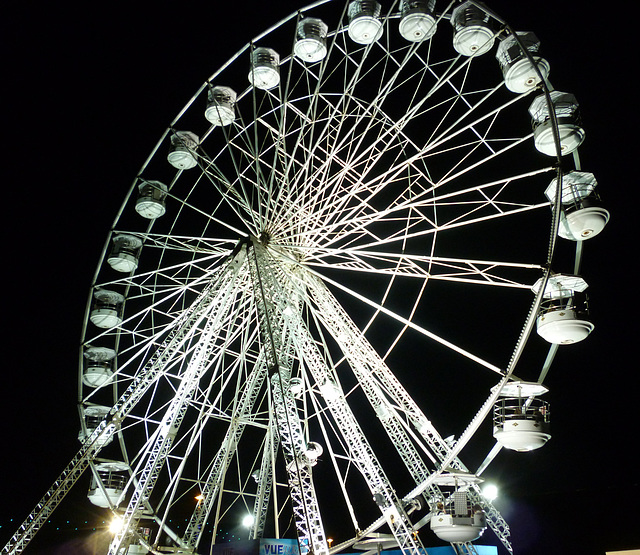X-Shaped Supports: Big Wheel at Night