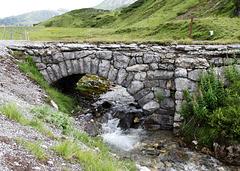 Kleine Brücke am Flexenpass