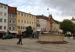 Traunstein, Stadtplatz mit Lindlbrunnen