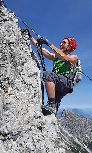 Climbing the Ox Wall (3)