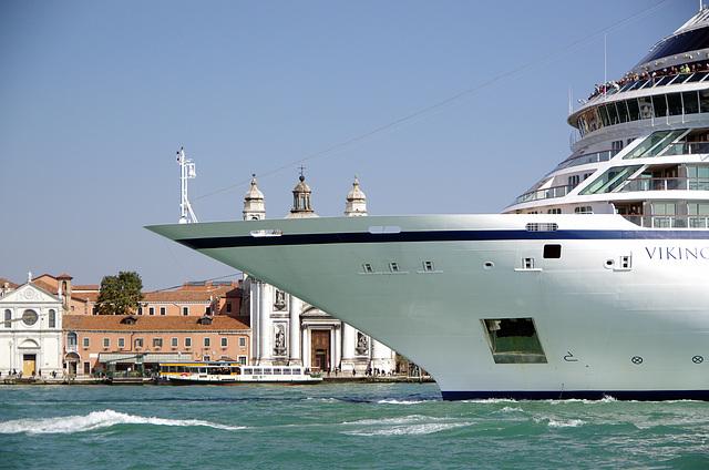 Huge liner passing Giudecca