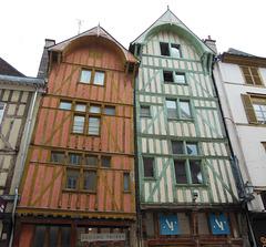 H wie HÄUSER in Troyes
