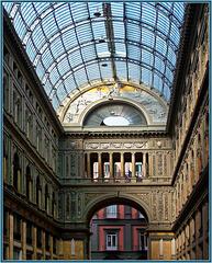 Napoli : la Galleria Umberto I - (823)