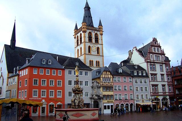 DE - Trier - Hauptmarkt mit St. Gangolf