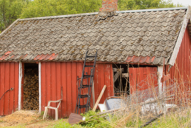 10/50 - Old barn at Vikna Island