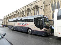 Hodge's Coaches 5881 PH in Bury St. Edmunds - 23 Nov 2019 (P1060037)
