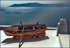 Santorini : Thira - la barca sul tetto (957)