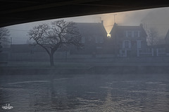 Sous les ponts,le soleil se lève aussi!