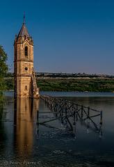 La torre y el pantano...