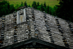 Dach mit Steinen
