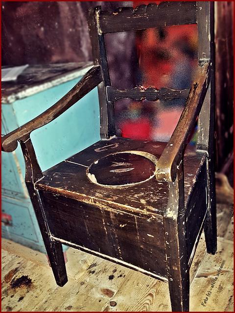 OO - Klo-Stuhl