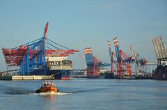 Betrieb im Hamburger Hafen