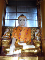 Buddha mit Tuch