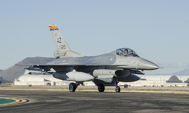 "General Dynamics F-16C Fighting Falcon 88-0520 ""El Tigre"""