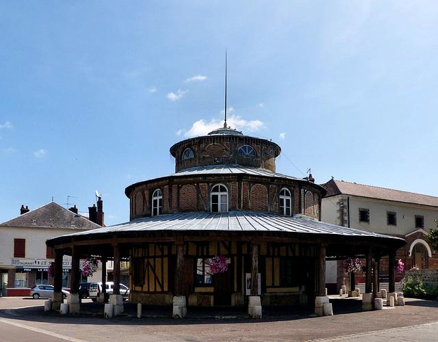 Ervy-le-Châtel - Halle circulaire