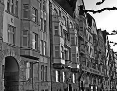 Düsseldorf - Balkonfassaden an der Rheinuferpromenade
