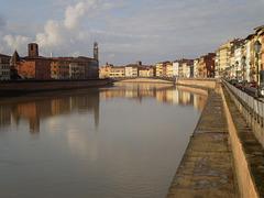 River Arno and Middle Bridge.