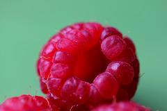 En rouge et vert, délice à croquer sans modération