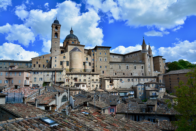 Urbino 2017 – View of Urbino with the Duomo and the Palazzo Ducale