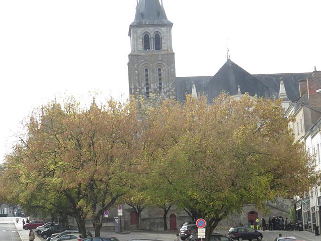 Laval : place des acacias, 2.