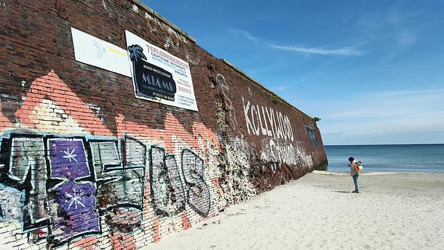 Prora - das Monumentalprojekt. Kaimauer am Strand. 201506