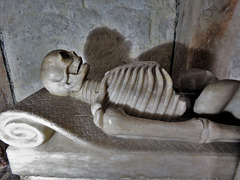 breedon on the hill church, leicestershire (100)skeleton under tomb of george shirley +1588, made by the roileys of burton on trent
