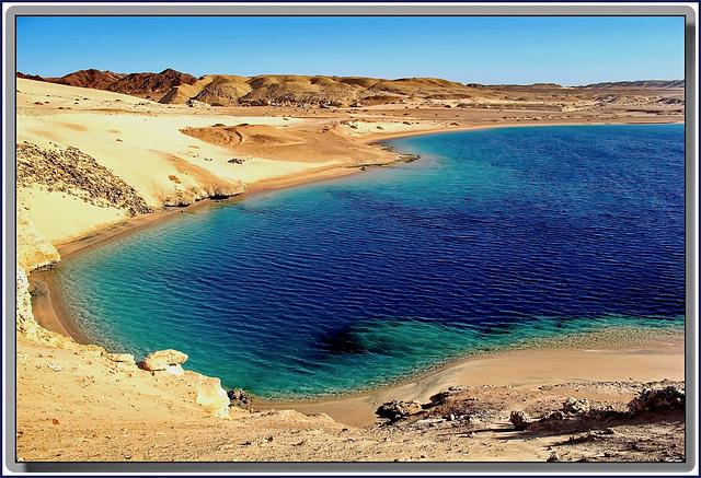 SHARM EL-SHEIK,  - solo una visione molto distorta dei colori poteva attribuire a questo mare il colore 'ROSSO' !