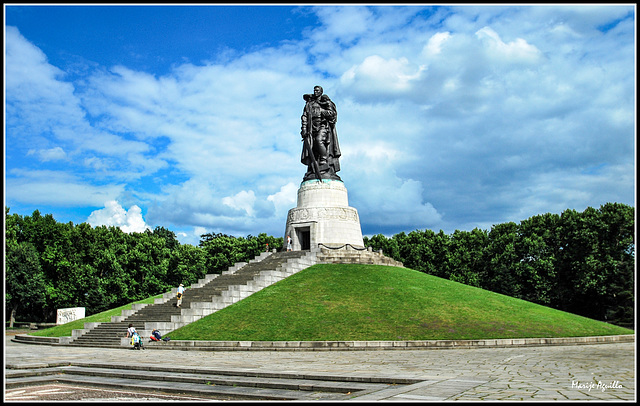 Monumento de Guerra Soviético (Treptower Park)