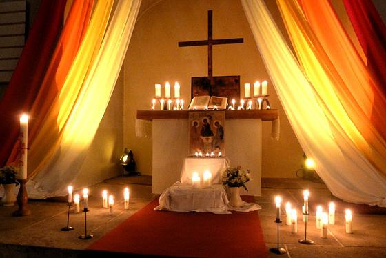 Meditation in einer kleinen Kirche - meditado en malgranda preĝejo