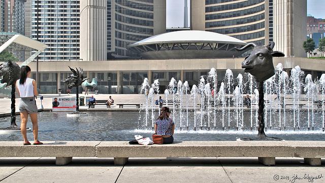 Nathan Phillips Square, Toronto